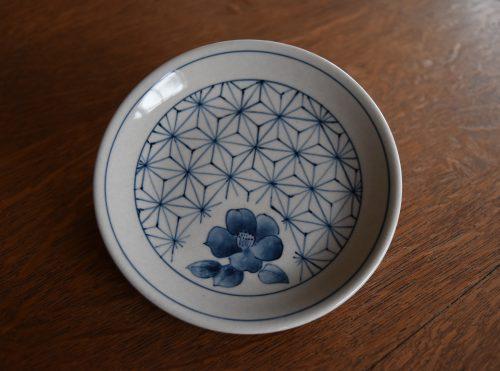 陶芸体験 8/22(日) 染付技法でお皿に植物文様の絵付けをしよう