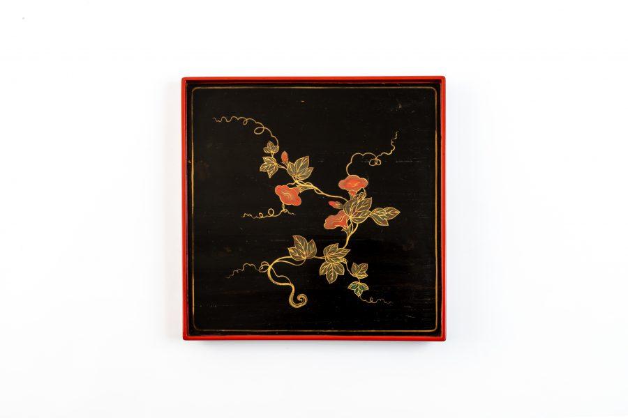 【7月17日(土)・18日(日)限定】茶室・勘桜亭で企画展「植物文様の民芸」の展示品をイメージした和菓子をお出しします。